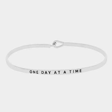 One Day At A Time Bracelet - silver