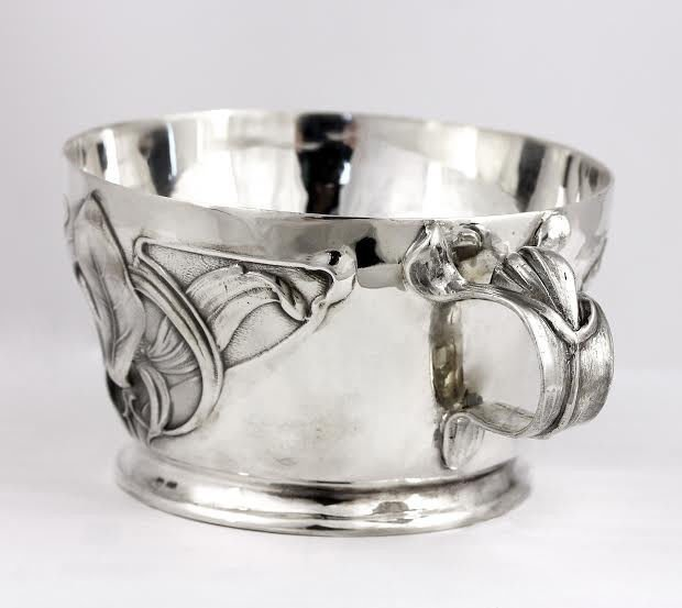 "Silver Cup ""Iris"""