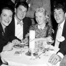 RONALD REAGAN AND DEAN MARTIN ENJOY COCKTAILS WITH WIVES - 8X10 PHOTO (AA-868)