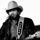 COUNTRY MUSIC LEGEND MERLE HAGGARD - 8X10 PUBLICITY PHOTO (ZY-103)