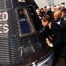 PRESIDENT JOHN F. KENNEDY & JOHN GLENN INSPECT FRIENDSHIP 7- 8X10 PHOTO (EP-843)