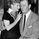 LUCILLE BALL & JOHN WAYNE IN TV SHOW 'I LOVE LUCY' 8X10 PUBLICITY PHOTO (BB-161)