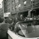 SENATOR JOHN F. KENNEDY CAMPAIGNS IN WASHINGTON STATE 1960 - 8X10 PHOTO (AA-425)