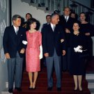 PRES. JOHN F. KENNEDY & JACKIE ATTEND WHITE HOUSE RECEPTION 8X10 PHOTO (BB-496)