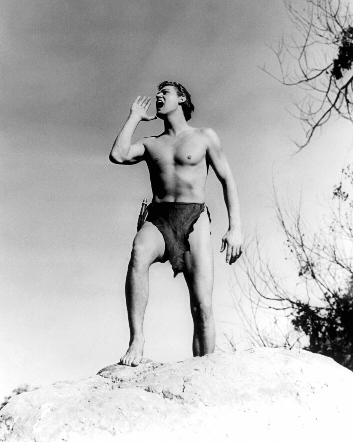 JOHNNY WEISSMULLER IN 'TARZAN & HIS MATE' - 8X10 PUBLICITY PHOTO (AB-049)