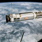 AGENA TARGET DOCKING VEHICLE AS SEEN FROM GEMINI 12 - 8X10 NASA PHOTO (EP-866)