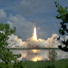 STARTLED BIRDS SCATTER AS DISCOVERY LAUNCHES FOR STS-70 - 8X10 PHOTO (EP-408)