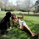 FIRST LADY MICHELLE OBAMA WITH FAMILY DOG 'BO' - 8X10 PHOTO (CC-097)