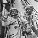 COSMONAUTS LEONOV AND KUBASOV PRIOR TO ASTP LIFTOFF - 8X10 NASA PHOTO (CC-037)