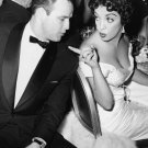 CANDID OF MARLON BRANDO WITH MEXICAN ACTRESS KATY JURADO - 8X10 PHOTO (CC-084)