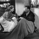 JOHN WAYNE AND MAUREEN O'HARA IN 'THE QUIET MAN' - 8X10 PUBLICITY PHOTO (ZY-038)