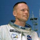 ASTRONAUT NEIL ARMSTRONG - 8X10 NASA PHOTO (AA-787)