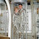 GUY WILLIAMS & JUNE LOCKHART IN 'LOST IN SPACE' - 8X10 PUBLICITY PHOTO (DA-648)