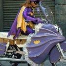 YVONNE CRAIG AS 'BATGIRL' IN TV SERIES 'BATMAN' - 8X10 PUBLICITY PHOTO (DA-650)
