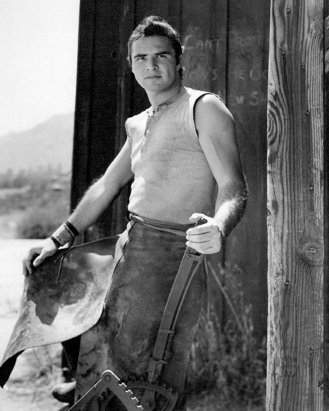 BURT REYNOLDS AS QUINT ASPER IN 'GUNSMOKE' - 8X10 PUBLICITY PHOTO (AB-030)
