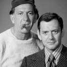 JACK KLUGMAN & TONY RANDALL IN 'THE ODD COUPLE' - 8X10 PUBLICITY PHOTO (DA-695)