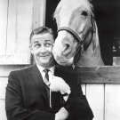 "ALAN YOUNG AND ""MISTER ED"" IN CBS 'MISTER ED' - 8X10 PUBLICITY PHOTO (ZY-120)"