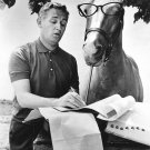 "ALAN YOUNG AND ""MISTER ED"" IN CBS 'MISTER ED' - 8X10 PUBLICITY PHOTO (ZY-121)"