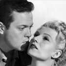 RITA HAYWORTH & ORSON WELLES IN 'THE LADY FROM SHANGHAI' - 8X10 PHOTO (NN-025)