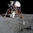 APOLLO 11 ASTRONAUT BUZZ ALDRIN DEPLOYS EXPERIMENT - 8X10 NASA PHOTO (BB-009)