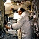 APOLLO 11 ASTRONAUT NEIL ARMSTRONG IN LUNAR MODULE SIM 8X10 NASA PHOTO (BB-033)