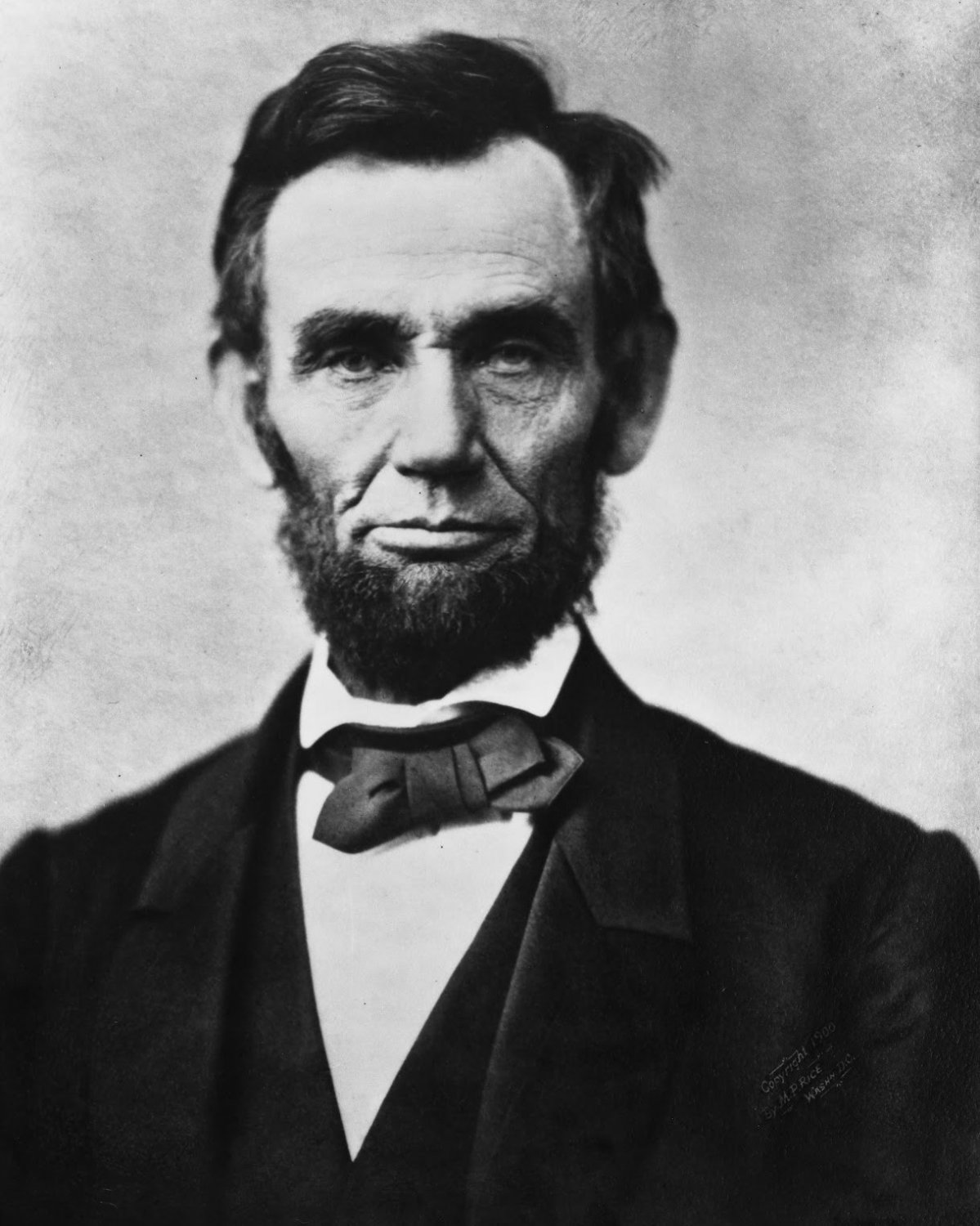 ABRAHAM LINCOLN - 16TH PRESIDENT OF THE UNITED STATES - 8X10 PHOTO (AA-792)