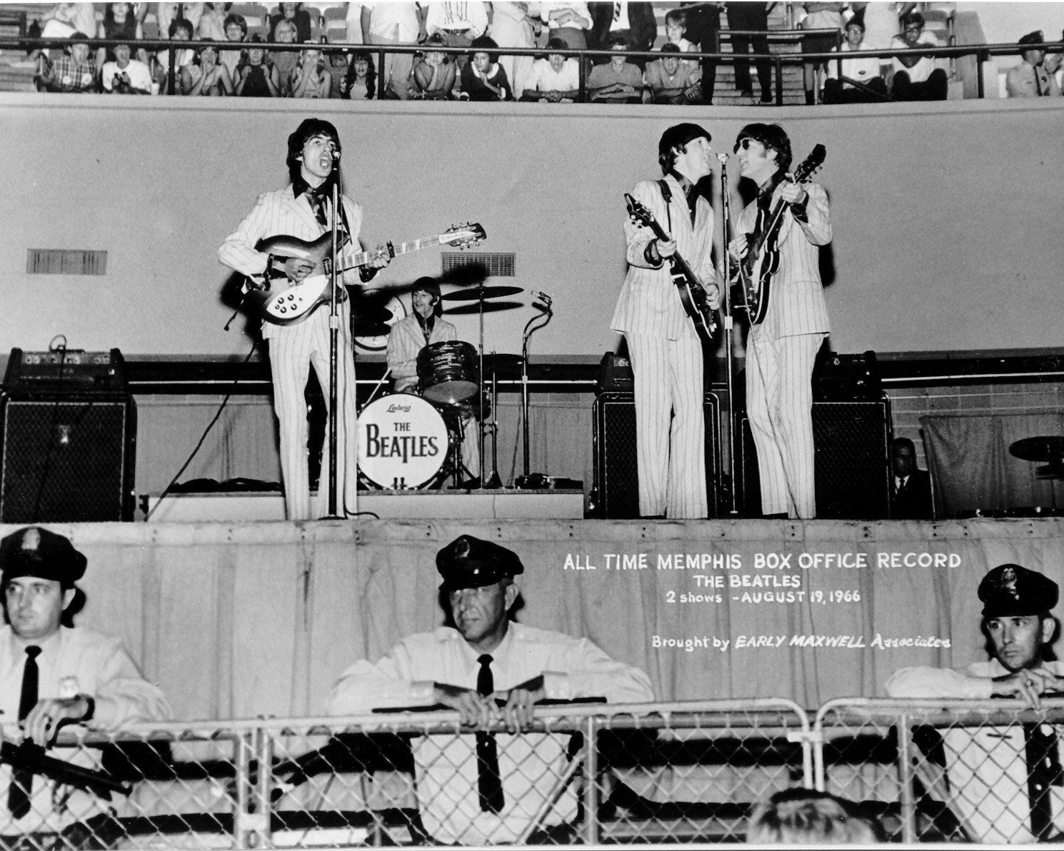 THE BEATLES AT MID-SOUTH COLISEUM IN MEMPHIS AUGUST 1966 - 8X10 PHOTO (XAA-252)