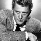LEGENDARY ACTOR KIRK DOUGLAS - 8X10 PUBLICITY PHOTO (AA-174)