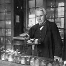 THOMAS ALVA EDISON IN LABORATORY - 8X10 PHOTO (DA-398)
