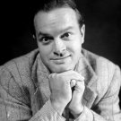 LEGENDARY ENTERTAINER BOB HOPE - 8X10 PUBLICITY PHOTO (ZZ-111)