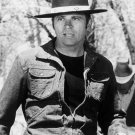 TOM LAUGHLIN IN THE FILM 'BILLY JACK' - 8X10 PUBLICITY PHOTO (AA-119)