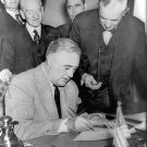FRANKLIN ROOSEVELT SIGNS DECLARATION OF WAR AGAINST GERMANY 8X10 PHOTO (EP-002)