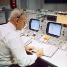 GENE KRANZ AT FLIGHT DIRECTOR'S CONSOLE DURING GEMINI 9 - 8X10 PHOTO (AA-443)