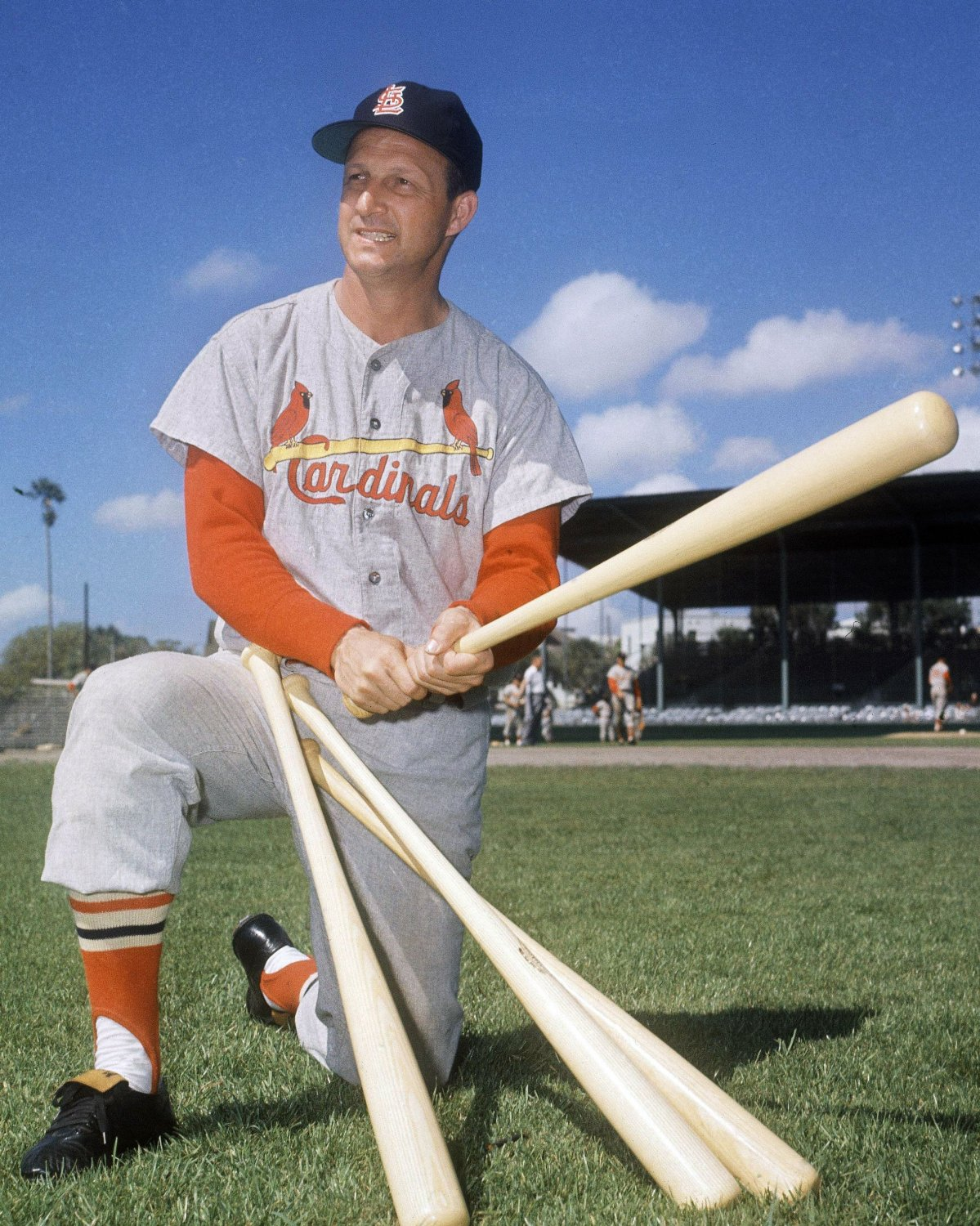 "STAN ""THE MAN"" MUSIAL ST. LOUIS CARDINALS LEGEND - 8X10 PHOTO (AA-935)"