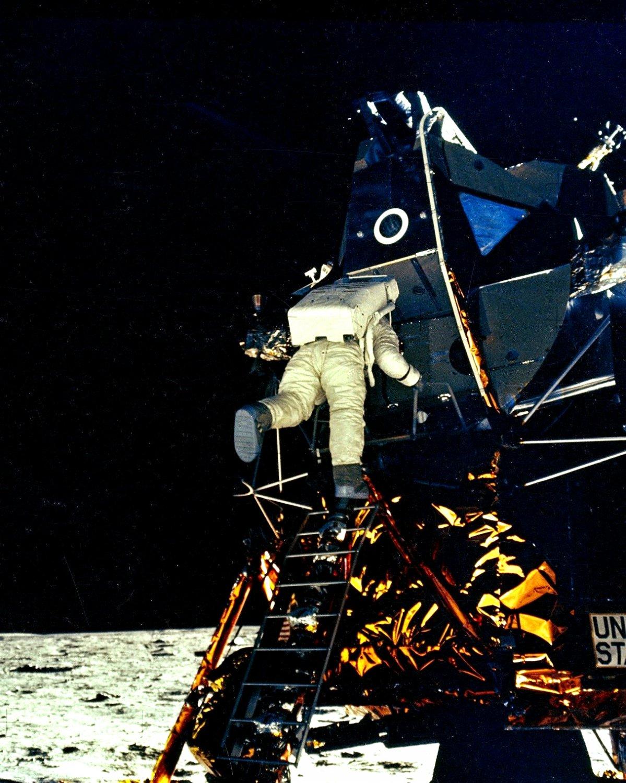 astronaut space crusade berlin - photo #39