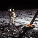 APOLLO 11 ASTRONAUT BUZZ ALDRIN WALKS ON THE MOON - 8X10 PHOTO (AA-679)
