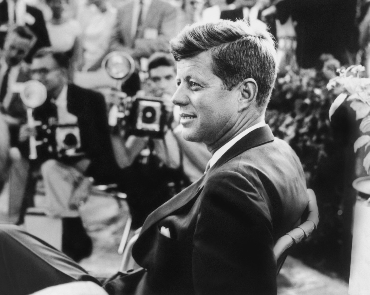 john f kennedy won the presidency because he better represented the american perception of beauty John f kennedy was sailing through the 1960 presidential primaries on his way to the democratic nomination but he had a problem: a majority of african-americans were not voting for him.
