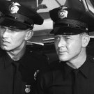 KENT McCORD & MARTIN MILNER IN TV SHOW 'ADAM-12' - 8X10 PUBLICITY PHOTO (AA-165)