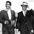 DEAN MARTIN AND FRANK SINATRA ON THE LONDON AIRPORT TARMAC - 8X10 PHOTO (AA-850)