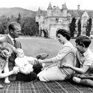 THE BRITISH ROYAL FAMILY, CIRCA 1960 - 8X10 PHOTO (AA-696)