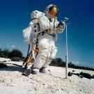 ASTRONAUT CHARLES DUKE TRAINS FOR APOLLO 16 AT KSC - 8X10 NASA PHOTO (AA-700)