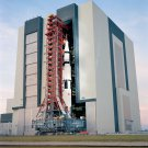 APOLLO 14 SPACECRAFT LEAVES THE VEHICLE ASSEMBLY BUILDING - 8X10 PHOTO (AA-915)
