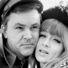 BOB CRANE AND NITA TALBOT IN 'HOGAN'S HEROES' - 8X10 PUBLICITY PHOTO (BB-347)