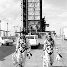 GEMINI 3 ASTRONAUTS JOHN YOUNG AND GUS GRISSOM - 8X10 NASA PHOTO (BB-777)