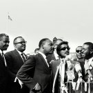 SAMMY DAVIS, JR. WITH DR. MARTIN LUTHER KING, JR. AND OTHERS 8X10 PHOTO (BB-358)