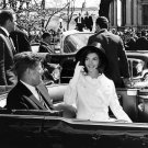PRESIDENT JOHN F. KENNEDY WITH WIFE JACKIE IN OPEN LIMOUSINE 8X10 PHOTO (BB-139)