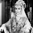 BARBARA EDEN IN NBC TV SHOW 'I DREAM OF JEANNIE' - 8X10 PUBLICITY PHOTO (XEE-092)