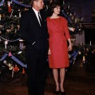 PRESIDENT JOHN F KENNEDY AND JACKIE BY CHRISTMAS TREE 1961 - 8X10 PHOTO (BB-337)