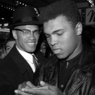 MUHAMMAD ALI & MALCOLM X OUTSIDE TRANS-LUX NEWSREEL THEATER 8X10 PHOTO (DA-322)