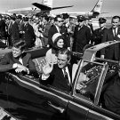 JOHN F. KENNEDY DEPARTS LOVE FIELD IN LIMOUSINE NOVEMBER 22, 1963 - 8X10 PHOTO (BB-173)